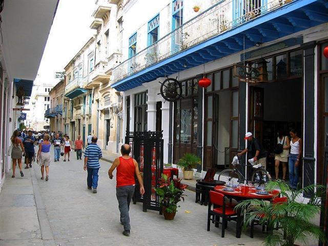 Calle Mercaderes (Small)