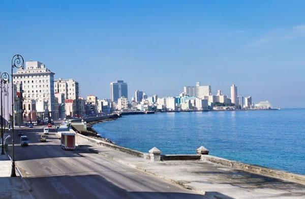 El-Malecon-La-Habana-Cuba-03