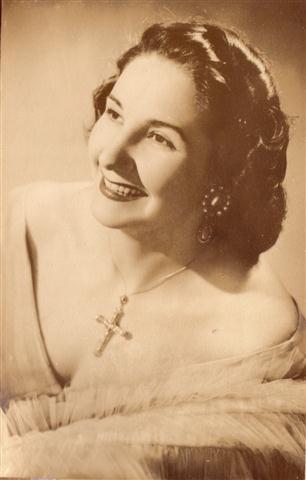 Pepita Embil (Small)