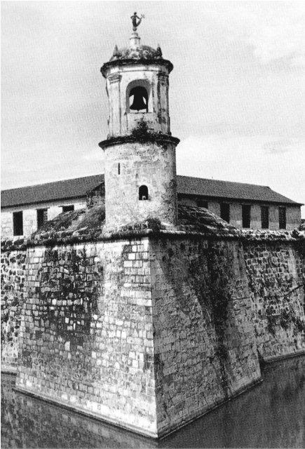 1-La giraldilla, torre del Homenaje, Castillo de la Fuerza, déc. '70