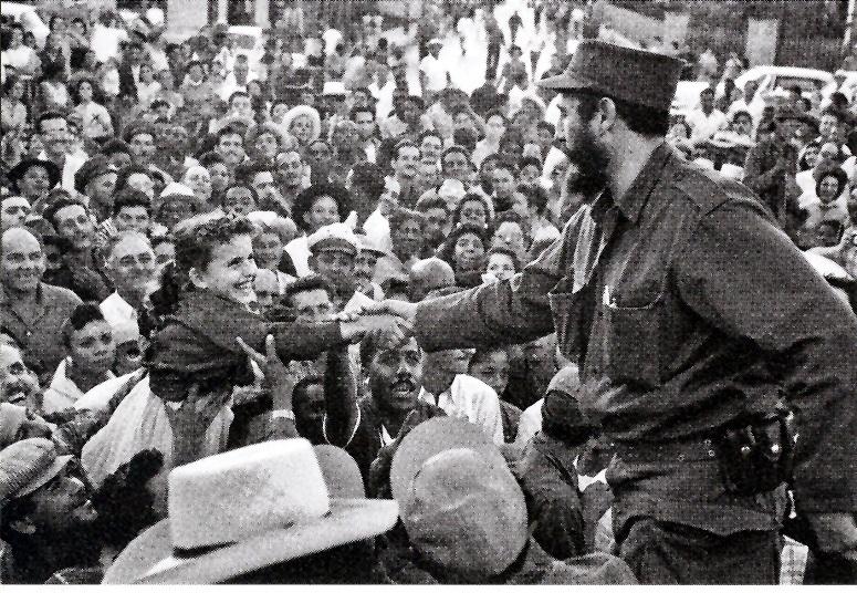 1959,--Fidel--saluda--al--pueblo--a--su--ingrso--a--la--ciudad