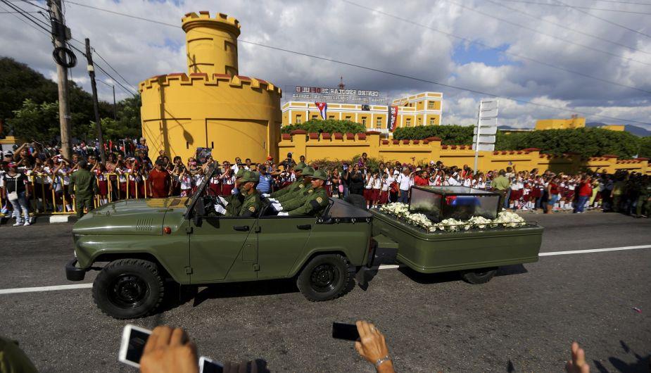 Fidel-en-Santiago-de-Cuba-2