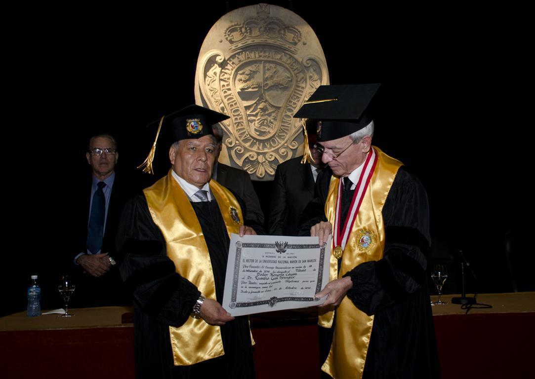Doctor Honoris Causa de la Universidad Nacional Mayor de San Marcos, de Lima, Perú