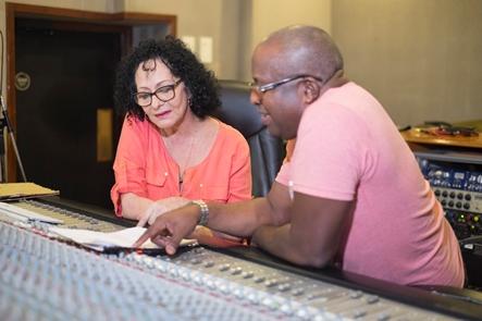 Beatriz Márquez junto al productor Juan Manuel Ceruto