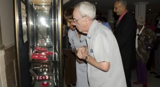 haití numismático leal y embajadora recorren la muestra 3 (Medium)