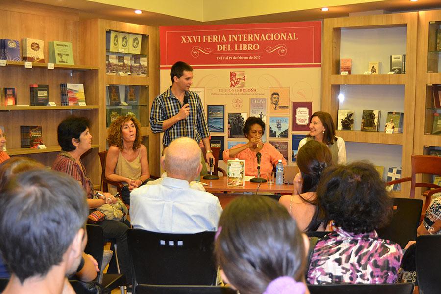 Mario Cremata, director de Ediciones Boloña, agradeció a Ediciones B, de Barcelona, España, por facilitar los ejemplares para esta presentación en La Habana