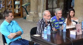 Michelena agradeció a Elsa Methol, Leonardo Padura y a Darwin Fornés por su contribución a la portada del libro