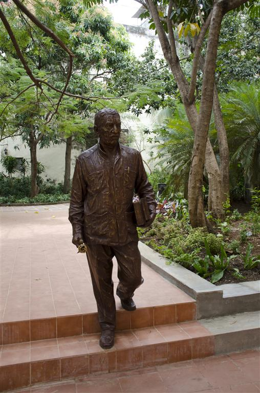 estatua 2 (Medium)