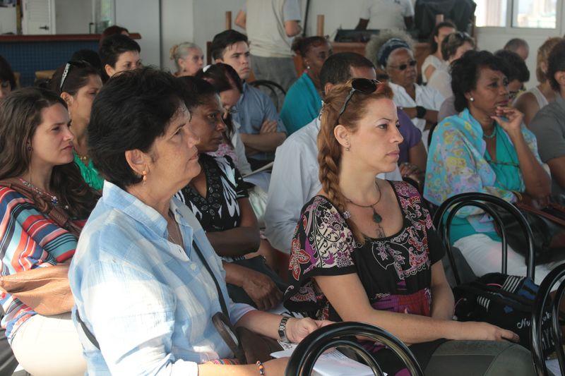 Conferencia de prensa - Público