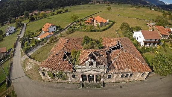 Antiguas escuelas de Terán, incorporada en 2016 en la Lista Roja del Patrimonio