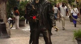 El Caballero de París, escultura