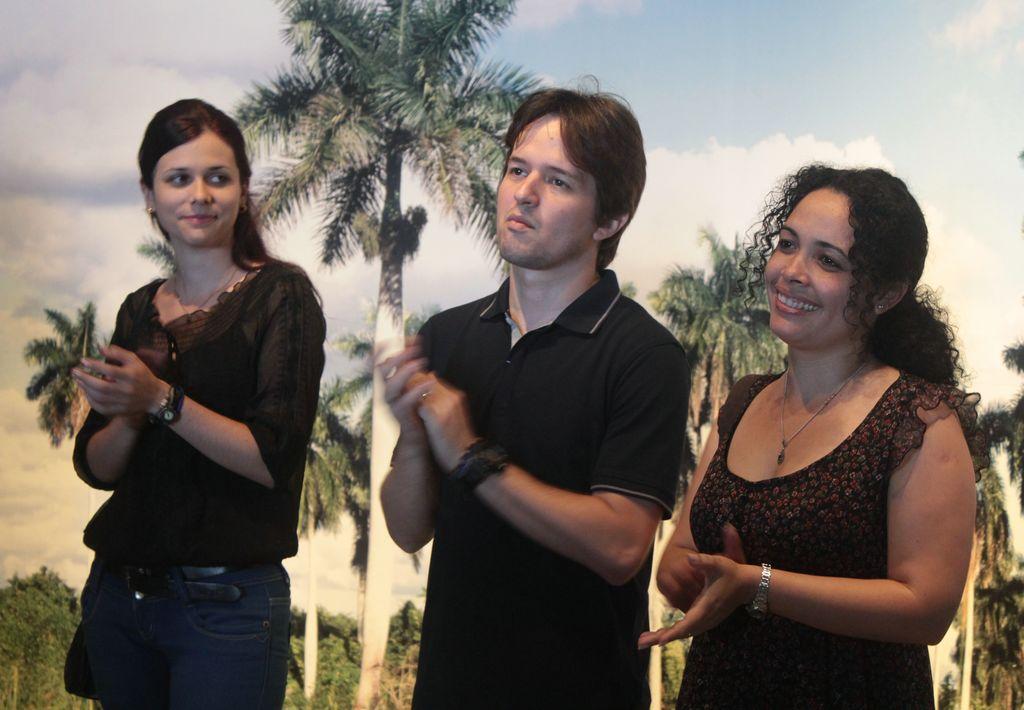 De derecha a izquierda Maidolys Iglesias Pérez, Presidenta, Álvaro Verdes Tribóns, Vicepresidente y Annia Hernández Secretaria Ejecutiva [1024x768]