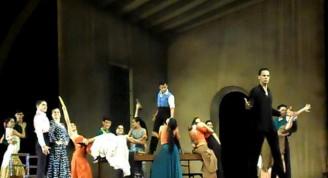 El BEC en uno de los momentos del ballet Carmen