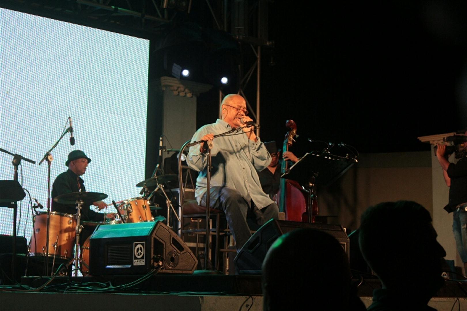 El concierto de Pablo Milanés fue un regalo para los gibareños