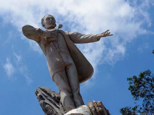 Monumento de José Martí en Guatemala
