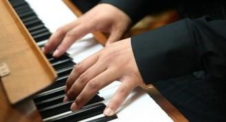 4926-pianista