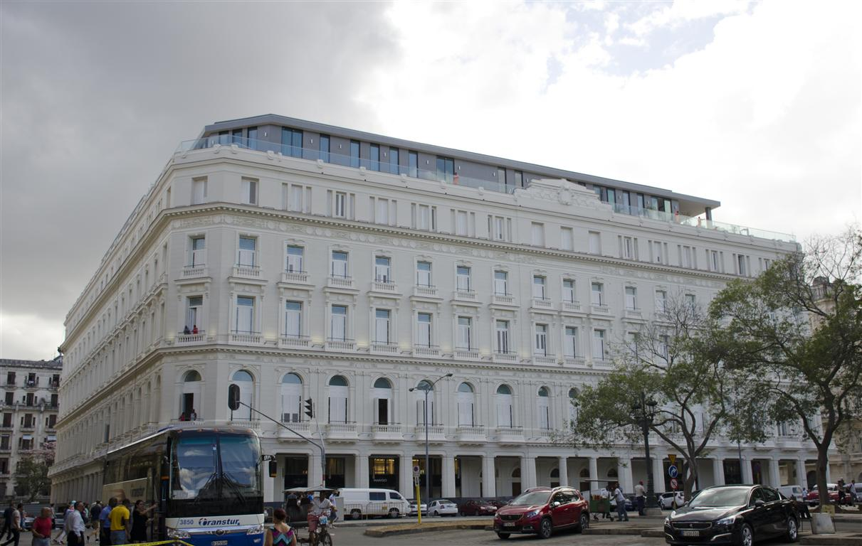 Hotel Manzana (Medium)