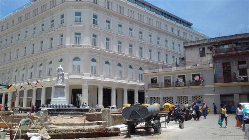 Parque-Albear-y-Hotel (Small)