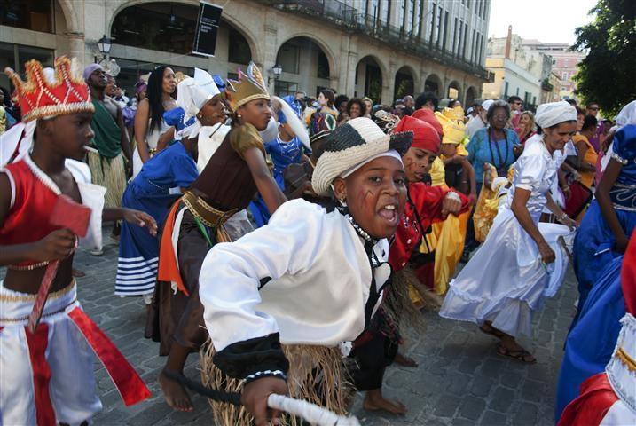 La procesión del Cabildo Día de Reyes en La Habana Vieja