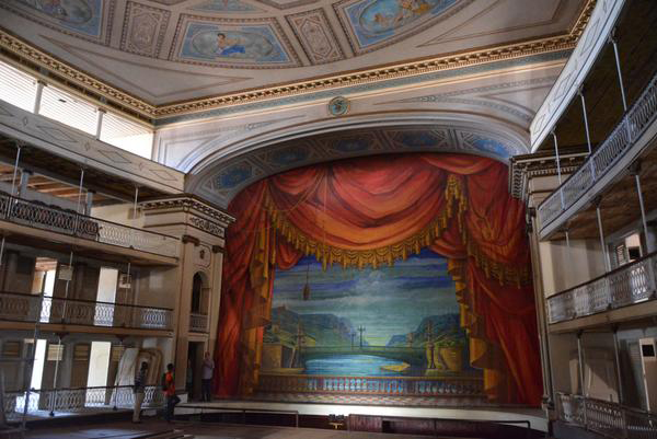 Escenario del Teatro Sauto, Monumento Nacional, que cumplió 153 años mientras transcurre la restauración capital más abarcadora de su historia. Matanzas, Cuba, 6 de abril de 2016. ACN FOTO/Roberto Jesús HERNÁNDEZ/sdl