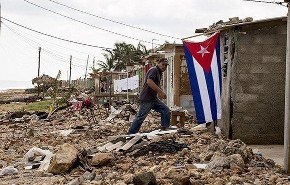Barrio El Machete, en Santa Cruz del Norte, Mayabeque, duramente golpeado por el embate del huracán Irma. Foto: Ismael Francisco/Cubadebate