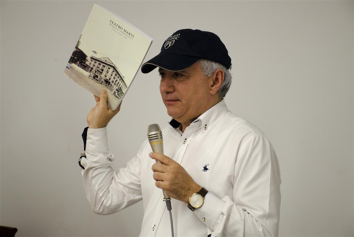 Antonio Taveras Guzmán (Medium)