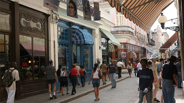 Calle-Obispo-La-Habana