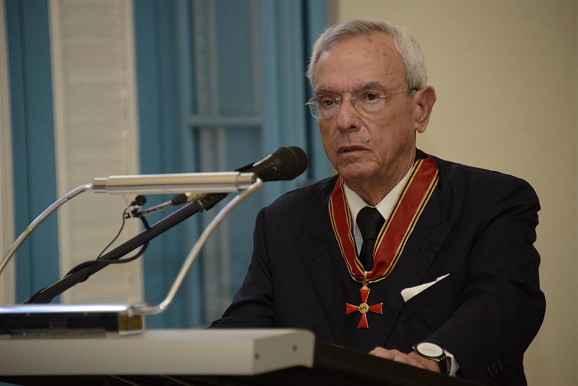 La Cruz Federal al Mérito de la República Federal de Alemania en la categoría de Comendador otorgada al Historiador de la Ciudad de La Habana