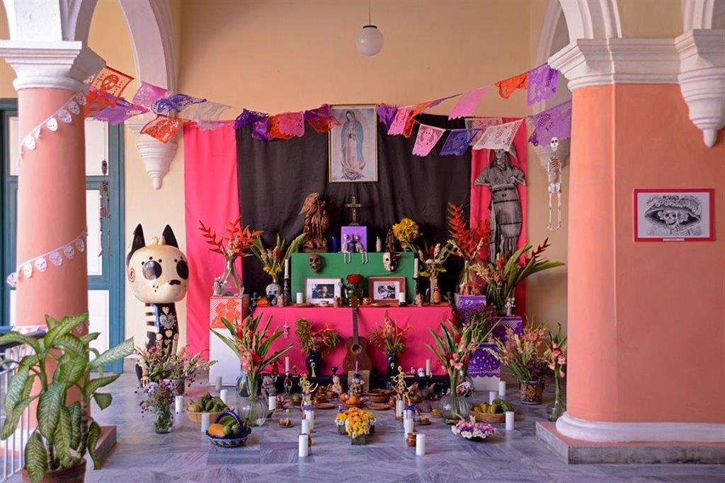 Celebración del Día de los Muertos, en la Casa de México del Centro Histórico habanero