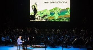 Un virtuoso del arte, el pianista Frank Fernández, interpretó Bocetos, lo acompañó la Orquesta Sinfónica. Foto: Irene Pérez/ Cubadebate.