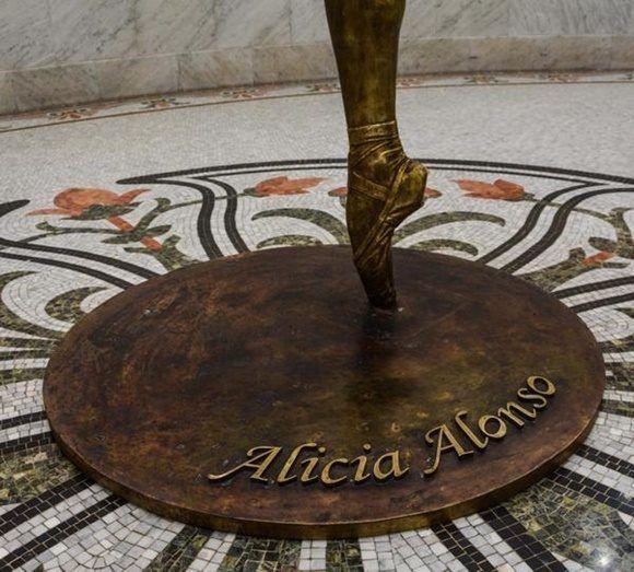 0101-alicia-alonso2-580x523