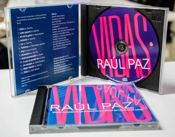 Presentan el disco Vidas, del cantautor Raúl Paz, en el  Bulevar de San Rafael, en La Habana, el 17 de enero de 2018. ACN FOTO/Abel PADRÓN PADILLA/sdl