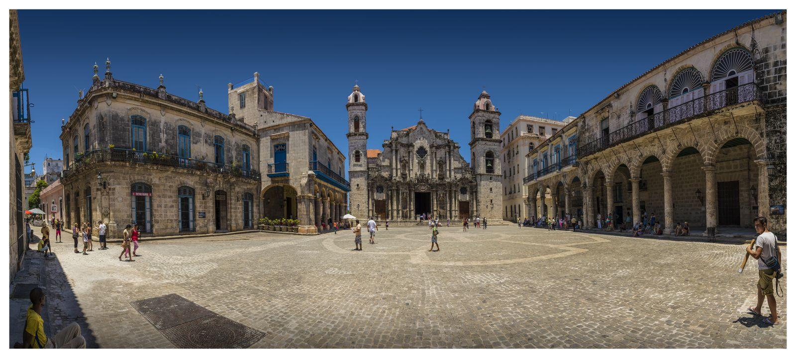 Panorama - Catedral de La Habana [1600x1200]