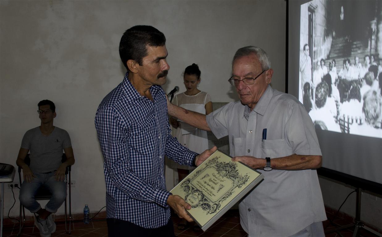 homenaje 30 y mas miguel hernandez dir casa mexico (Medium)