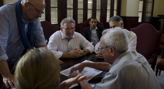 leal dialoga con  Delegación del Parlamento de Luxemburgo 5 (Medium)