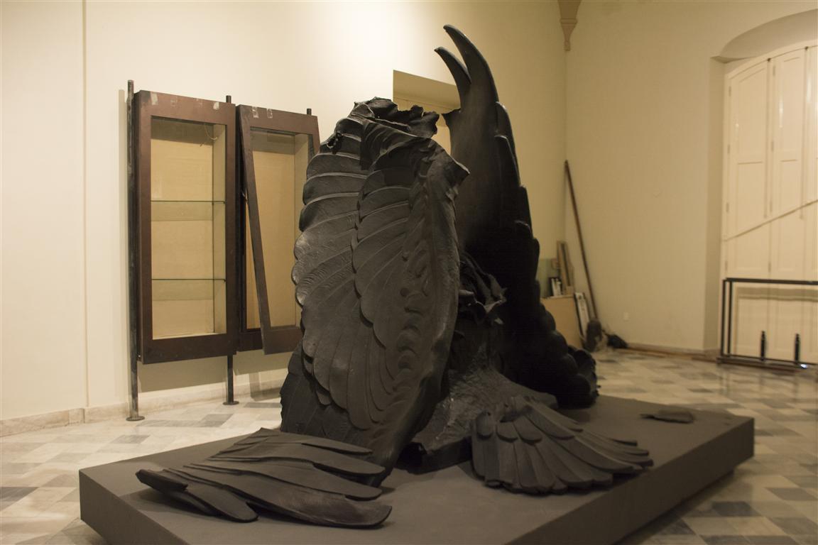 Fragmentos del águila del monumento al MMaine 7