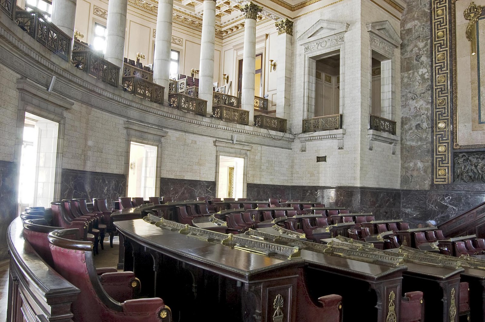6 Capitolio hemiciclo