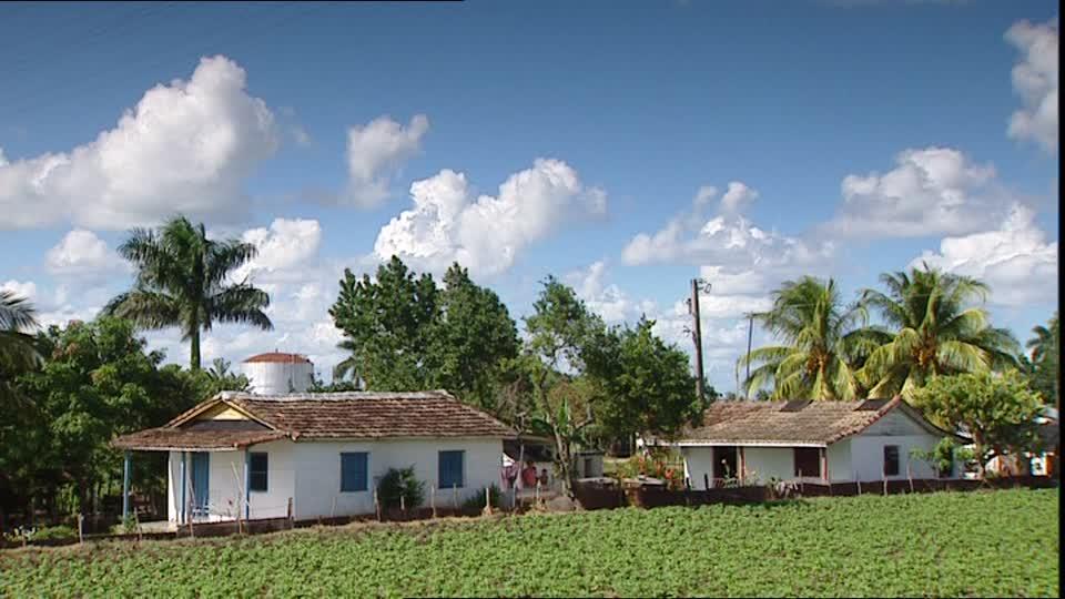 788464064-antillas-mayores-cuba-cabana-asentamiento