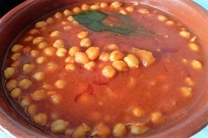 garbanzos-guisados-con-tomate