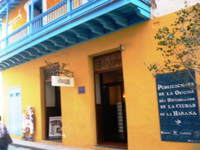 Hacia Mercaderes, librería Boloña