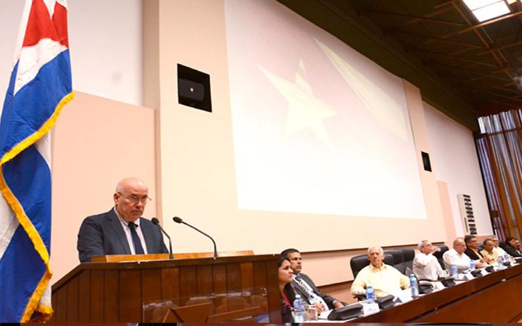 Vice ministro 1ro Ángel Vilaragaut Inauguración de la XXII Conferencia científico técnica de la Construcción .Palacio de convenciones. La Habana 2 de Abril 2018. Foto heriberto González Brito.