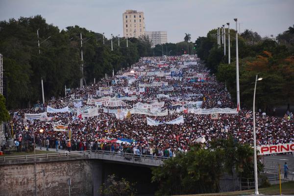 El pueblo capitalino en el desfile por el Primero de Mayo, Día del Proletariado Mundial, en la Plaza de la Revolución José Martí, en La Habana Cuba, el 1 de mayo de 2018. ACN FOTO/Marcelino VÁZQUEZ HERNÁNDEZ/sdl