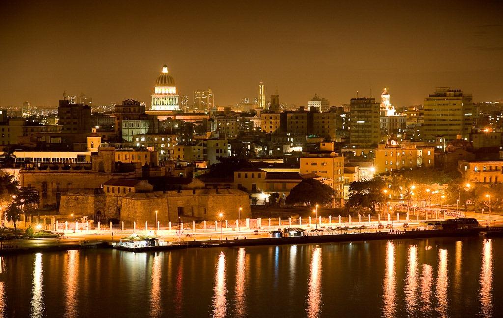 114_HABANA_Habana-de-noche-desde-Cristo-Casablanca