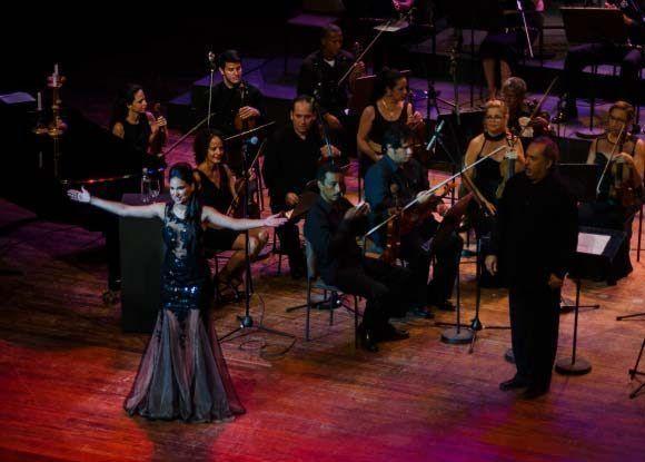 Annie Garcés: manos que cantan. Foto: Randdy Fundora/ Cubadebate.