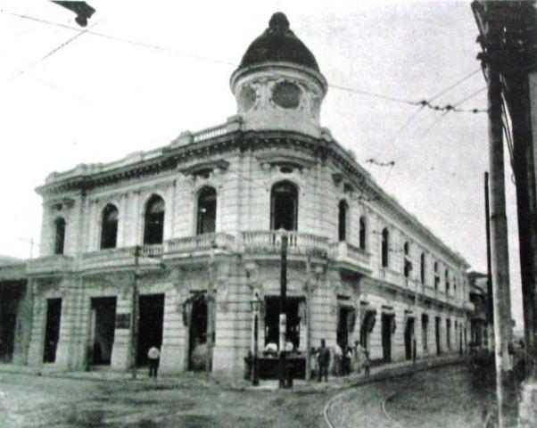 El edificio en 1912