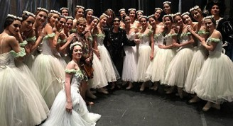Alicia Alonso y el Ballet Nacional de Cuba, durante la reciente gira de la compañía por los Estados Unidos. Foto BNC.