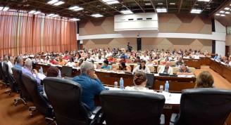 Diputados a la Asamblea Nacional en reuniones por grupos de Comisiones, para el estudio y aclaración de dudas sobre el Proyecto de Constitución de la República, en el Palacio de Convenciones de La Habana, Cuba, el 20 de julio de 2018. Foto: Tony Hernández Mena / ANPP