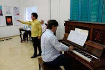 Hace cinco años que Lichilín y Rivero Bueno trabajan en la musicalización e interpretación de los versos sencillos de José Martí. (Foto: tvyumuri.icrt.cu).