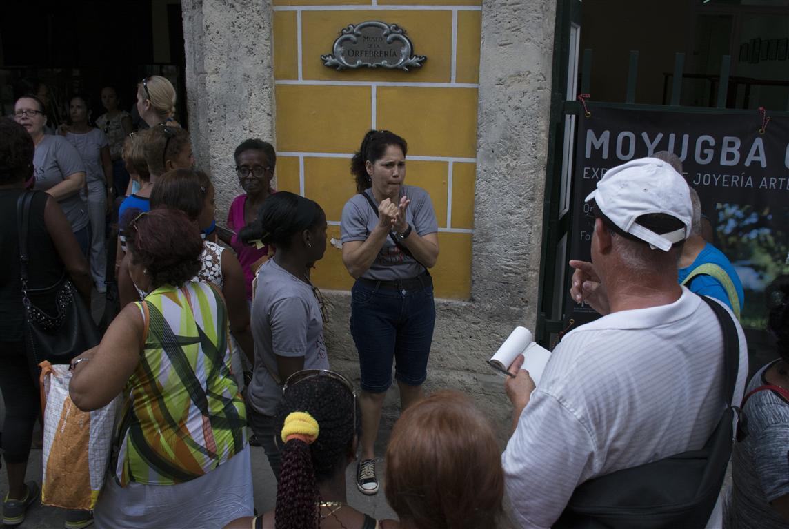 museo de la orfebrería con interpretes de seña (Medium)