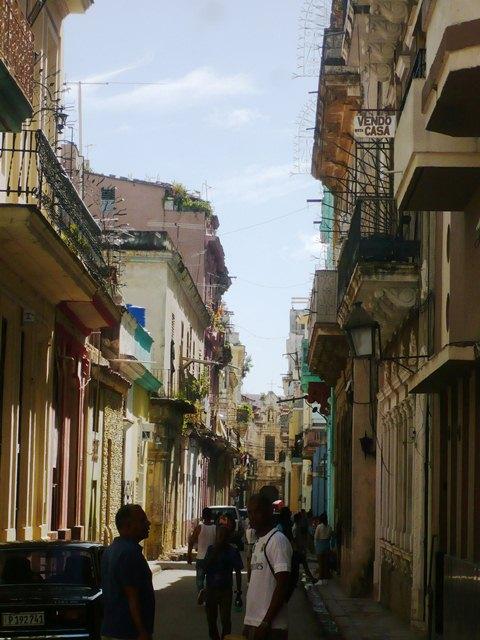Calle Tejadillo al fondo fachada lateral Catedral